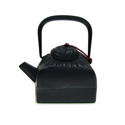DRAPÉ - Cast-iron teapot black - 4 cups