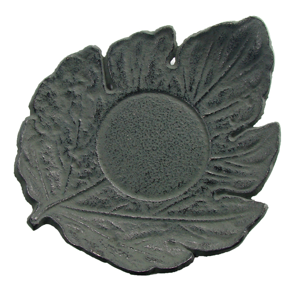 A8301 - LEAF shaped saucer Cast-iron