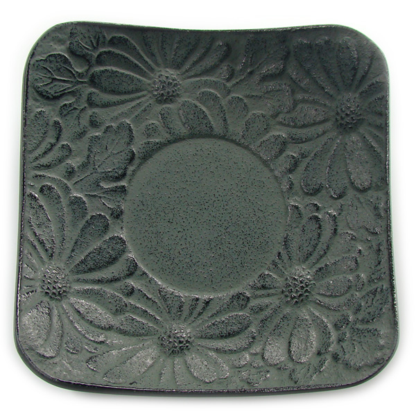 A8322 - CHRYSANTHEMUM saucer Cast-iron
