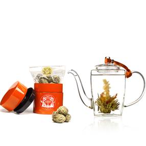 Tea gift set Désir : crafted green tea and hand blown glass teapot