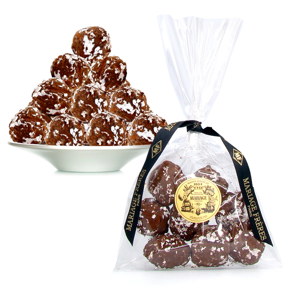 Tea Delight : tea chocolate and truffles, gingerbread, candy sugar, vanilla pods and tea jelly