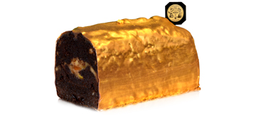 Discover the Christmas log GOLD CAKE, flavoured with Christmas tea