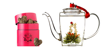 Spectacular tea : gift set with crafted tea and Hand blown glass teapot