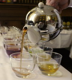 Tea Club : seminar about tea and tea tasting in Paris